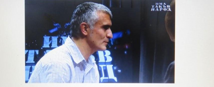 Слави Трифонов пусна на живо препитването на кандидат – политиците си, вижте