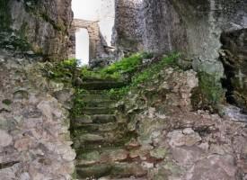 Съботни маршрути в непознатата България: Скалните църкви в Михалич и Маточина