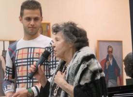 """Феновете на Стоянка Мутафова препълниха зала """"Цветан Радулов"""""""
