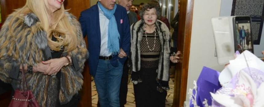 Велинград: Стоянка Мутафова представя книгата си на Светла събота