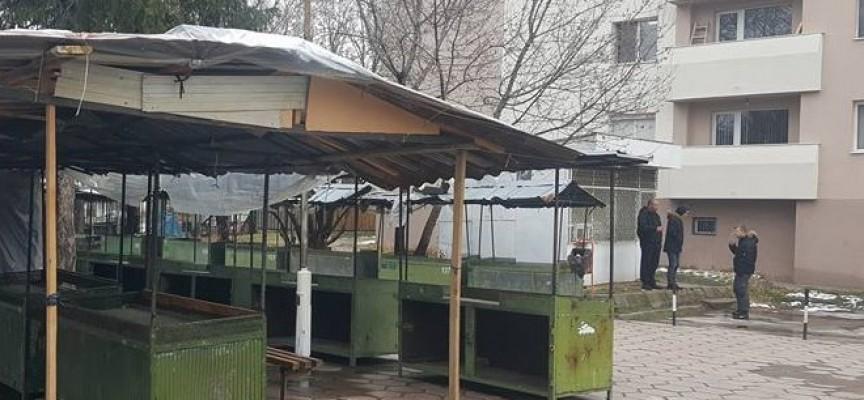 Данъчните пуснаха кепенците и на кафенето на Плиоценския парк, пострадаха и други заведения
