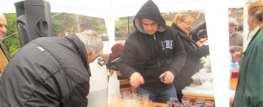 Брацигово: Михаил Дзуков оглави журито за най-класно вино, кой взе награда? Вижте