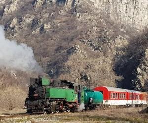 Легендарен немски водещ на предаване за жп транспорт снима филм за теснолинейката