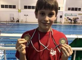 """Благоевград: Плувците на """"Шампион"""" спечелиха медали за пазарджишкото плуване от международен турнир"""