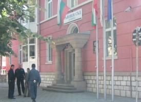 Велинград: 51-годишен наруши ограничителна заповед, преби жена си