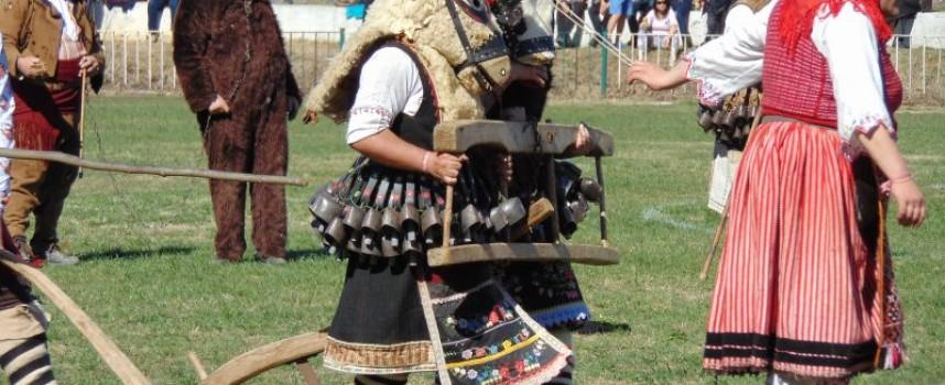 На Васильовден: Дервиши гонят злото във Варвара