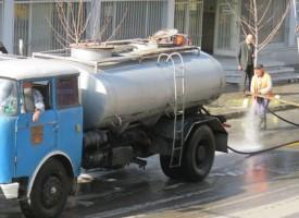 Пазарджик: Започна пролетното почистване на централните улици