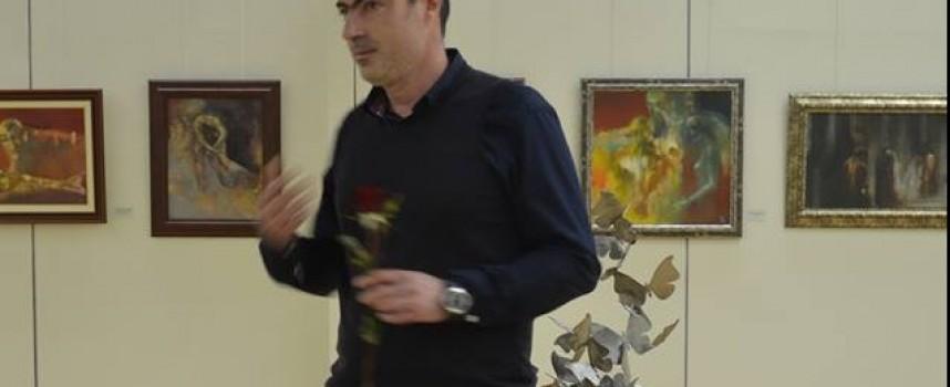Леон Бабачев ще прави паметника на военните кореспонденти