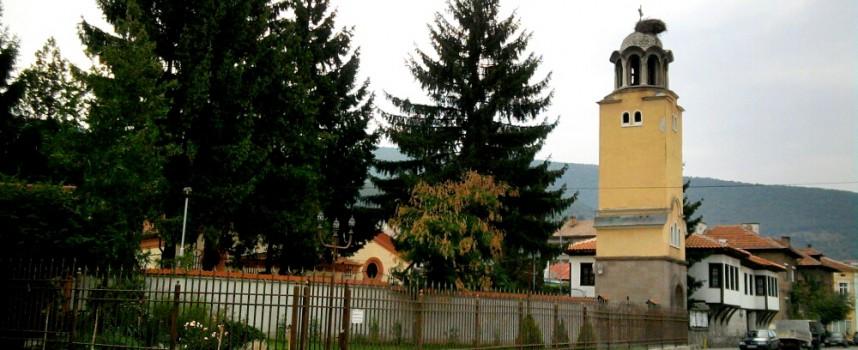 """Районна прокуратура-Пещера обвини 40-годишната за кражба на пари от храма """"Света Петка"""""""