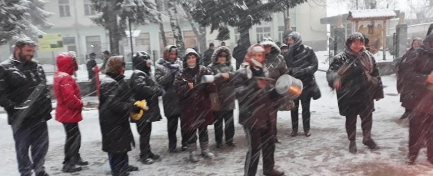 Равногор: Прогониха змии и гущери с огън, музика и тъпан