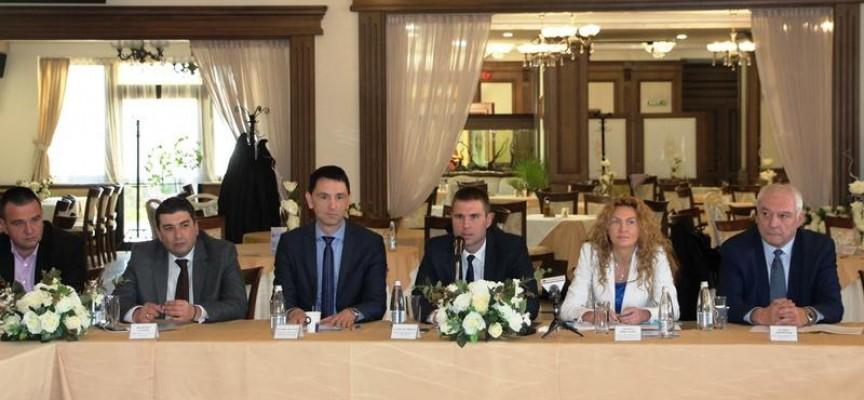 В Пазарджик зам.-министър Николова представи вариантите за ново статистическо райониране