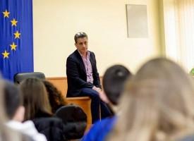 Кметът Тодор Попов пусна децата във ваканция на 1 април