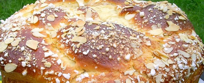 Рецептите на баба: Вкусен Великденски козунак