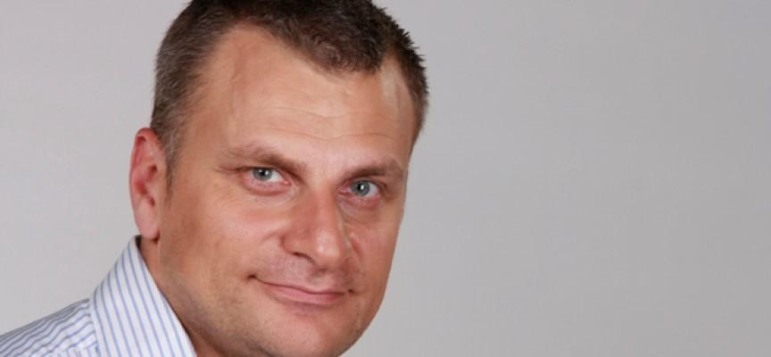 """В петък: """"Накъде отива Европа?"""" ще обсъдят Петър Курумбашев и Мартин Карбовски с младежи в Пазарджик"""