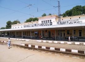 Мъж от Оборище остана без ръка, скочи в движение от влака на гара Септември