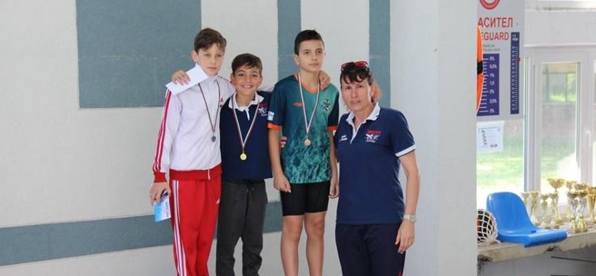 """Плувците на СК""""Шампион"""" с 19 медала от турнир """"Младост"""" Пловдив"""