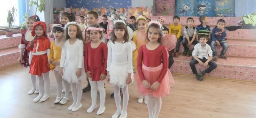 """""""Заедно е по-весело"""" в Детски отдел на РБ """"Н.Фурнаджиев"""""""