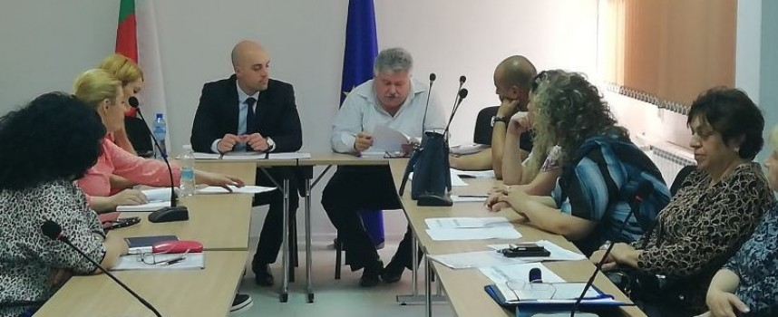 Комисия съгласува Регионалната програма за заетост на област Пазарджик за 2018 г.