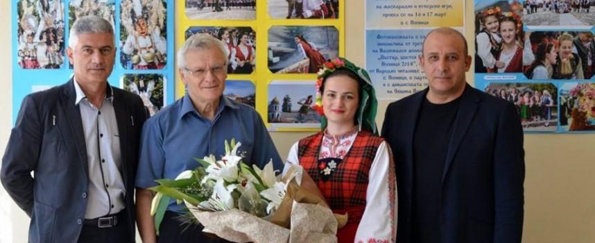 """С изложба на Никола Колев стартира """"Пъстър, цветен Гергьовден"""" в Попинци"""