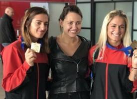 Пазарджишка делегация посрещна сестри Стоеви на аеропорта