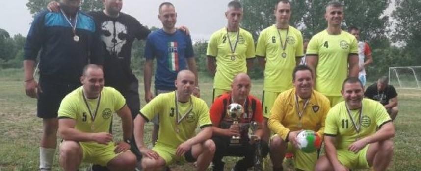 """Отборът на """"Пътна полиция"""" спечели първото място на работническия турнир по футбол"""