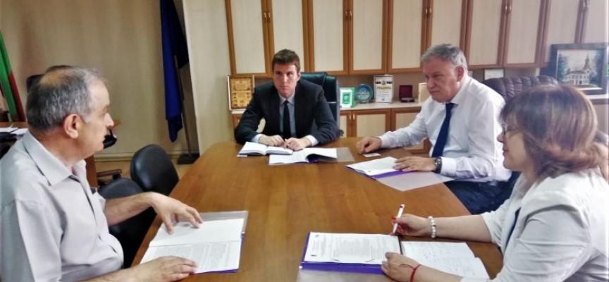 УТРЕ: Губернаторът посреща турския консул за бизнес форум