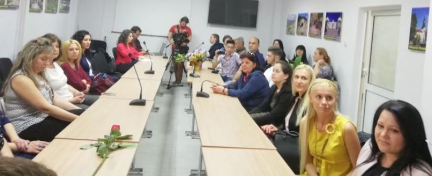 """Четири медицински сестри от МБАЛ – Пазарджик и МБАЛ """"Здраве"""" с награди за професионалния си празник"""