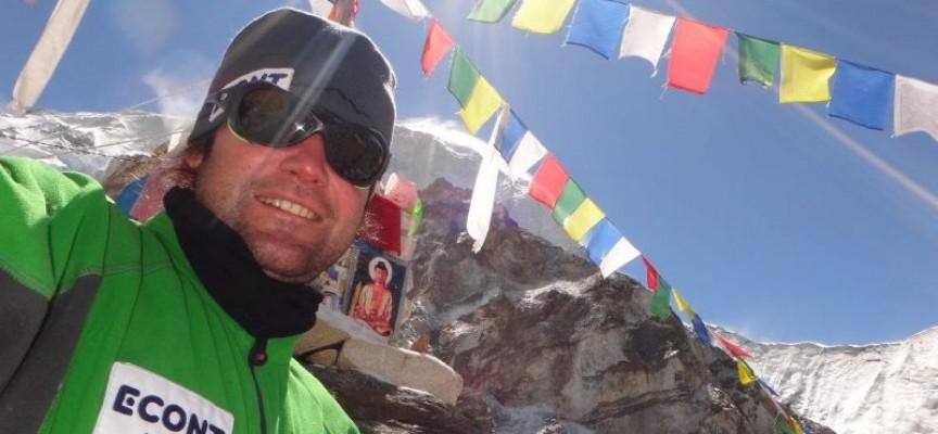 Веганът Атанас Скатов изкачи Чо Ойо, висок 8201 метра
