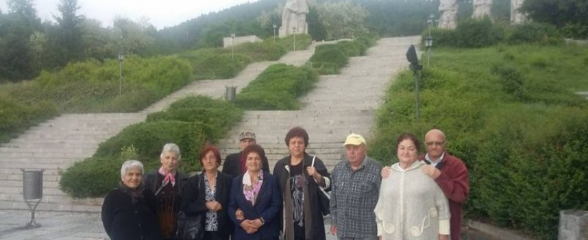 Пенсионерите от Дома в Главиница на екскурзия до Калофер