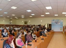 Вижте снимки от срещата на кмета Тодор Попов със зрелостниците на Пазарджик