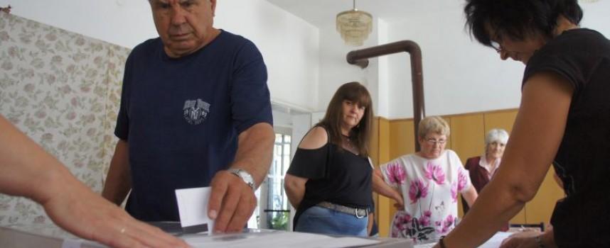 73% избирателна активност имаше днес в Семчиново