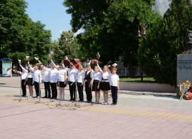 Пазарджик: Политици и граждани се поклониха пред паметника на Христо Ботев