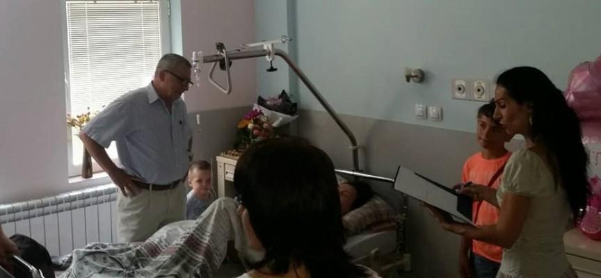 """Две в едно: Сватба и бебе в Родилното отделение на МБАЛ""""Здраве"""""""