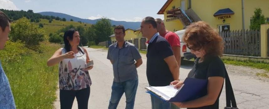 """Изграждат втори електропровод на Сърница, собствениците на имоти в """"Хановете"""" и """"Бърдуча"""" трябва да подадат заявления"""