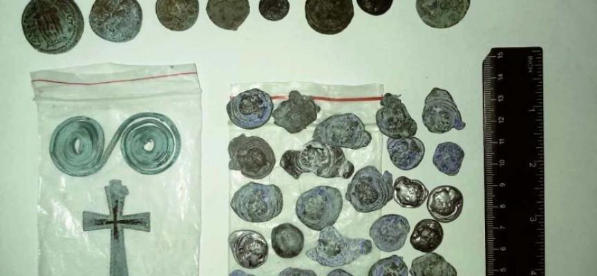 Спецакция вкара в ареста шестима, вижте какво откриха в домове във Фотиново, Сестримо, Менекьово и Црънча