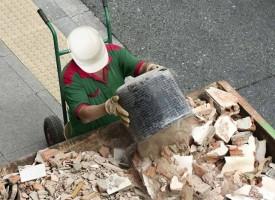 Брацигово: Строителни отпадъци ще се събират в контейнери до ЖП гарата
