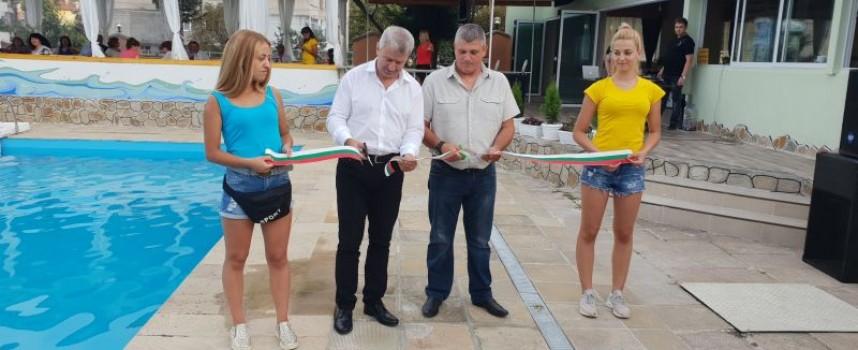 Пещера: В разгара на лятото откриха обновения плаж
