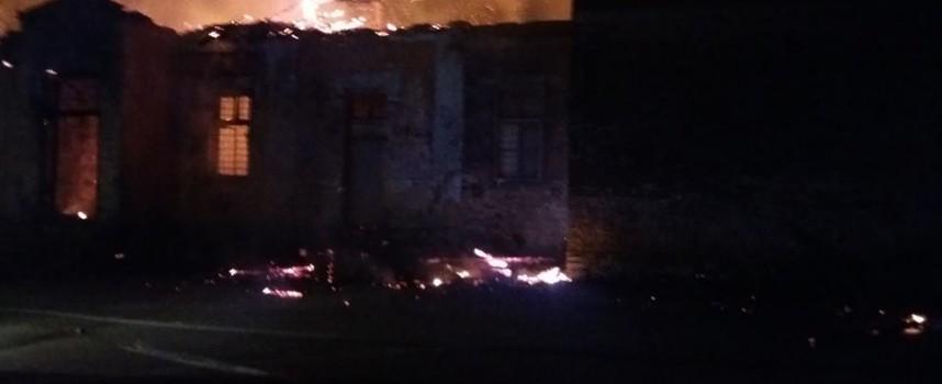 Изгоря старото училище във Ветрен дол