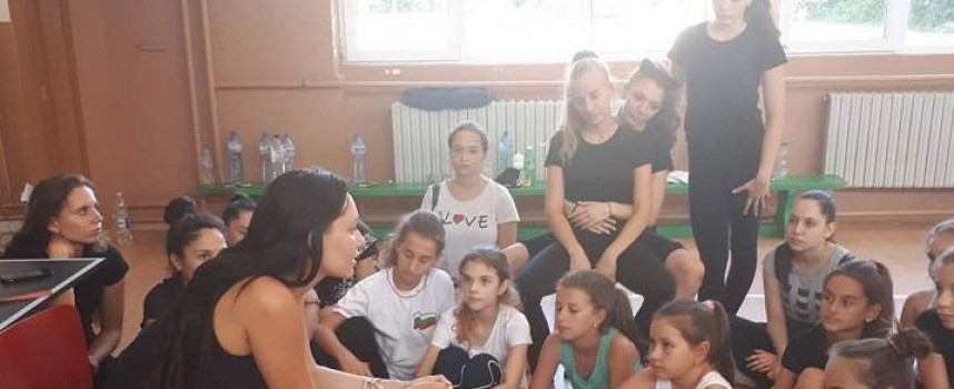"""Ренета Камберова нахъса """"Мистериите"""", станаха световни шампионки в Прага"""