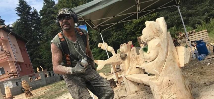 Цигов чарк: Майстори ваят фигури от дърво с моторна резачка