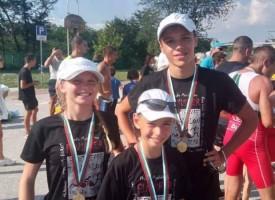 """В разгара на лятото: Злато и бронз за СК""""Шампион"""" от силен турнир по триатлон"""