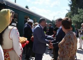 36 дипломати се возиха на теснолинейката, за да стигнат до Велинград