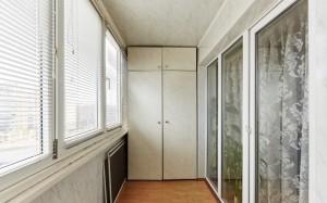 27остъклен балкон-гардероб