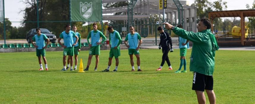 Шест футболисти от Академията скачат в състава на Хебър