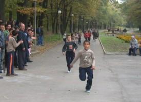 """10 училища се включват днес в крос """"Златна есен"""""""