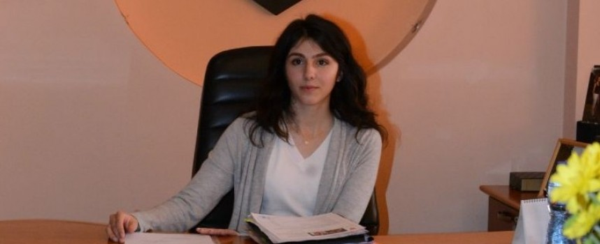 Мария – Николина Гюрова седна за ден в креслото на кмета