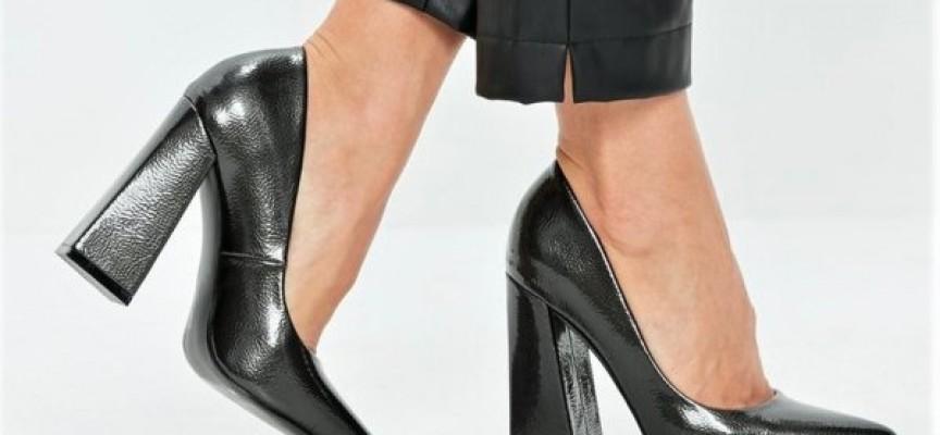 Полицията и НАП установиха нарушения в магазин за обувки в Пазарджик