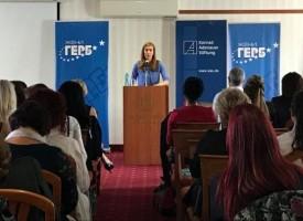 Министър Ангелкова: Премахнахме 19 вида документа от Закона за туризма и въвеждаме лицева идентификация