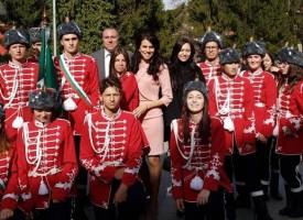 Стара царска традиция ознаменува предаването на знамето на ученическия гвардейски отряд в Батак