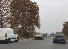 Отнето предимство доведе до челен удар на две коли по пътя Пазарджик – Звъничево